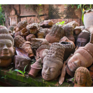 """Foto en Jpg descarregable per a us personal - Caps """"perduts"""" al Baan Phor Liang Meun Terra-cotta Arts Garden - Chiang Mai"""