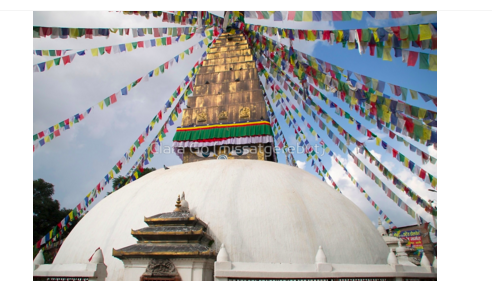 Foto en Jpg descarregable per a us personal- Stupa and Prayer flags
